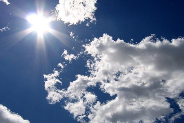 Oggi è parzialmente nuvoloso.